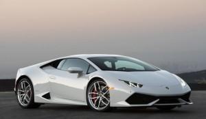 Luxury car rental in italy lamborghini