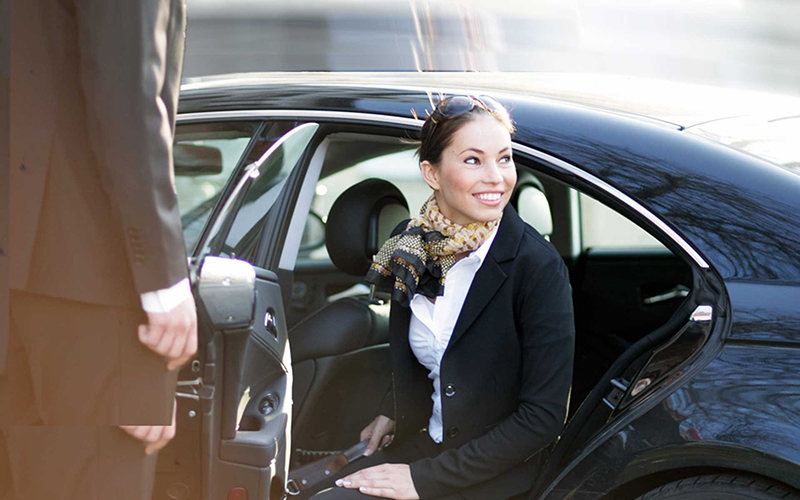 Luxury car rental hire hiring italy milan forte dei marmi florence airport rome venice tuscany
