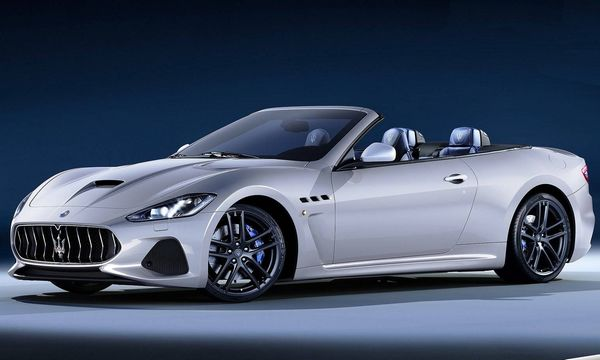 luxury car rental in italy maserati gran cabrio sport internal