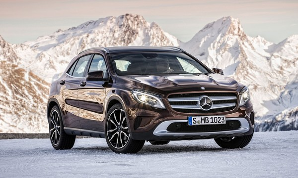 luxury car rental in italy mercedes GLA 220 CDI internal