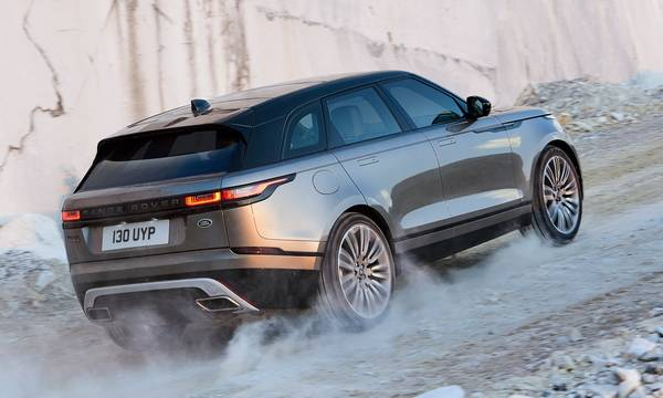 luxury car rental in italy range rover velar internal